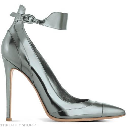 GIANVITO ROSSI - Click here to view shoe   image link   THE DAILY SHOE